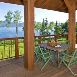 Mountain West Retreat: Porch overlooking Lake and Mountains