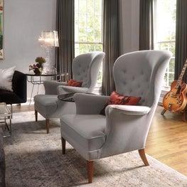 Winnetka Single Family - Living Room