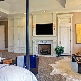 Hamptons in Marin, Bedroom