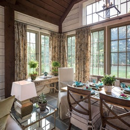 Four-Season Porch: Dining Area