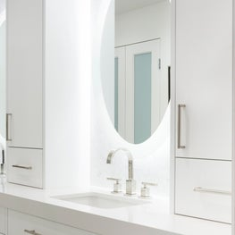 Moderne Updated - Master Bathroom