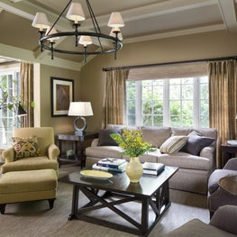 COmfortable and inviting family room in a family home in Westchester
