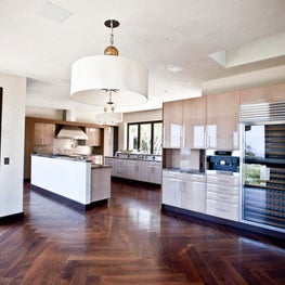 Carbon Modern Kitchen | Malibu