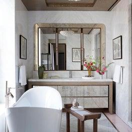 Master Bathroom - Downtown Triplex Apartment