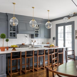 Kitchen with Glossy Dark Grey Millwork
