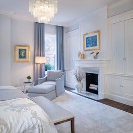 Boston Home, Custom silk carpet, Villaverde chandelier and Miro original Pieces