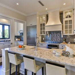 Sophisticated, comfortable kitchen