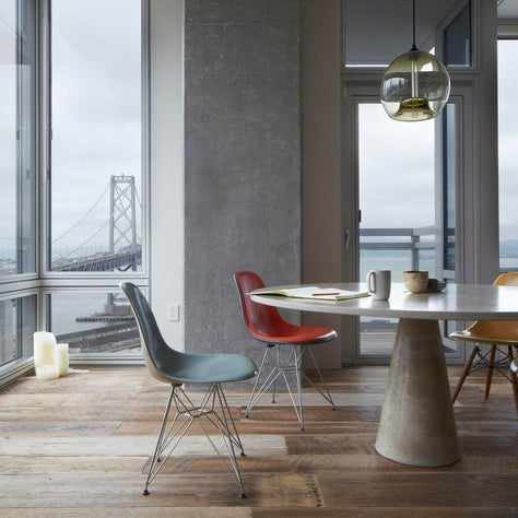 501 Beale Residence, Table View