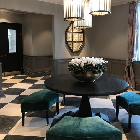 Luxury VIP apartment at Bicester Village - Entrance Hall