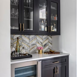 Black, white and gold Butler's Pantry