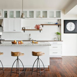 This bright and open kitchen is the perfect place to host family and friends!