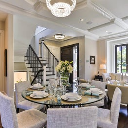 Sophisticated, comfortable dining and living room