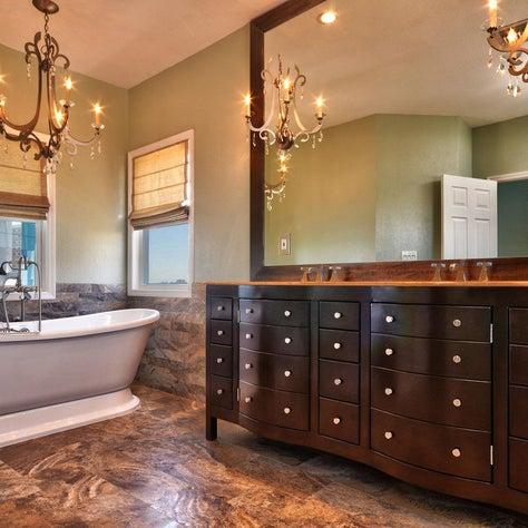 Gulfport bathtub custom cabinet detail