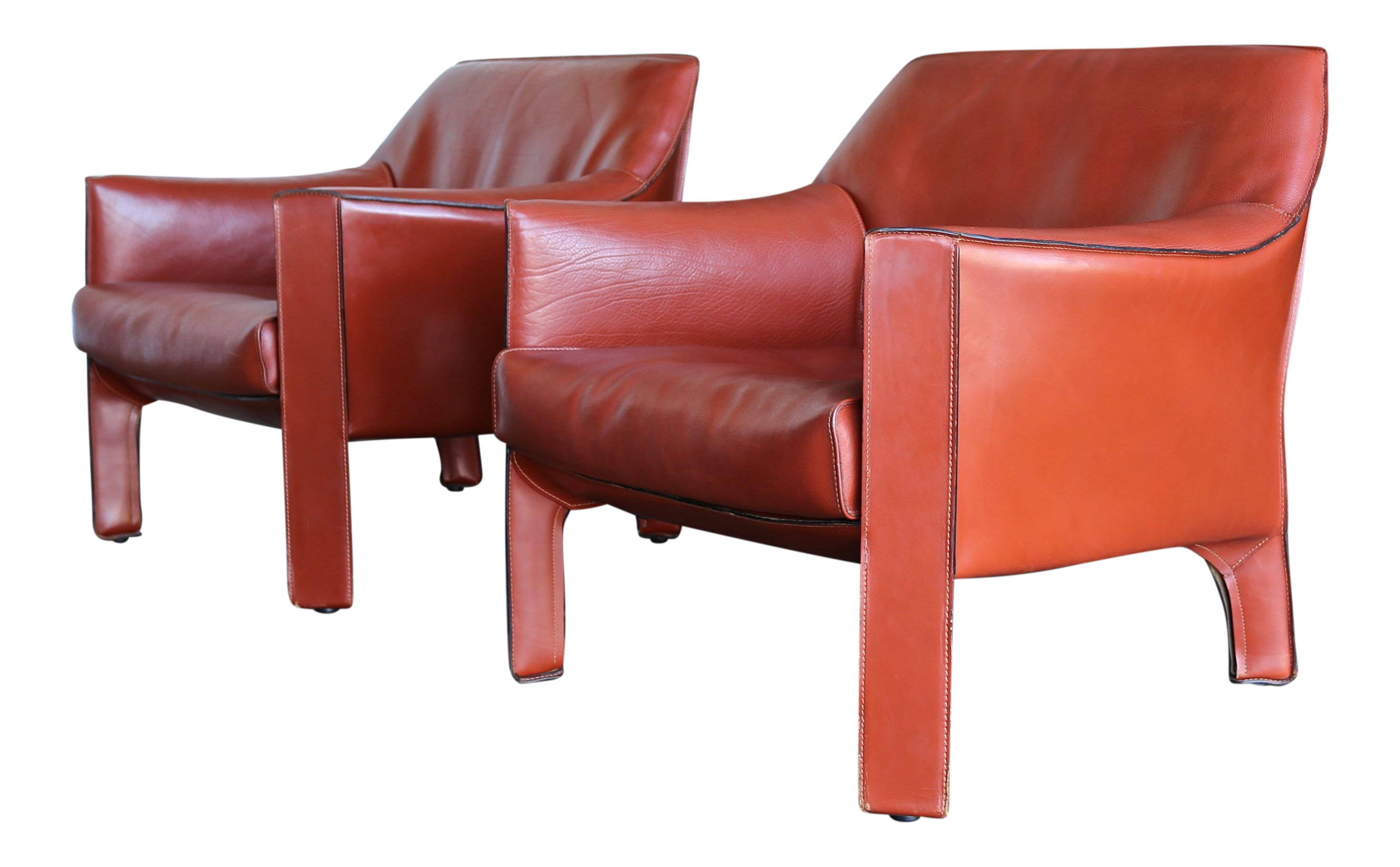 Fine Mario Bellini For Cassina Large Cab Lounge Chairs   A Pair | DECASO