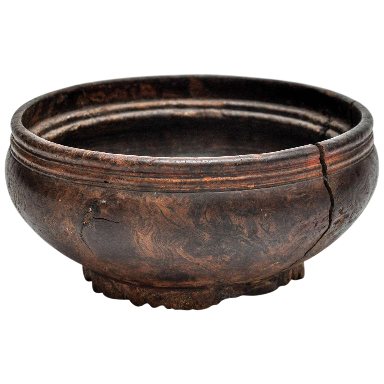 Early 19th Century Wooden Bowl With Engraving From Naga