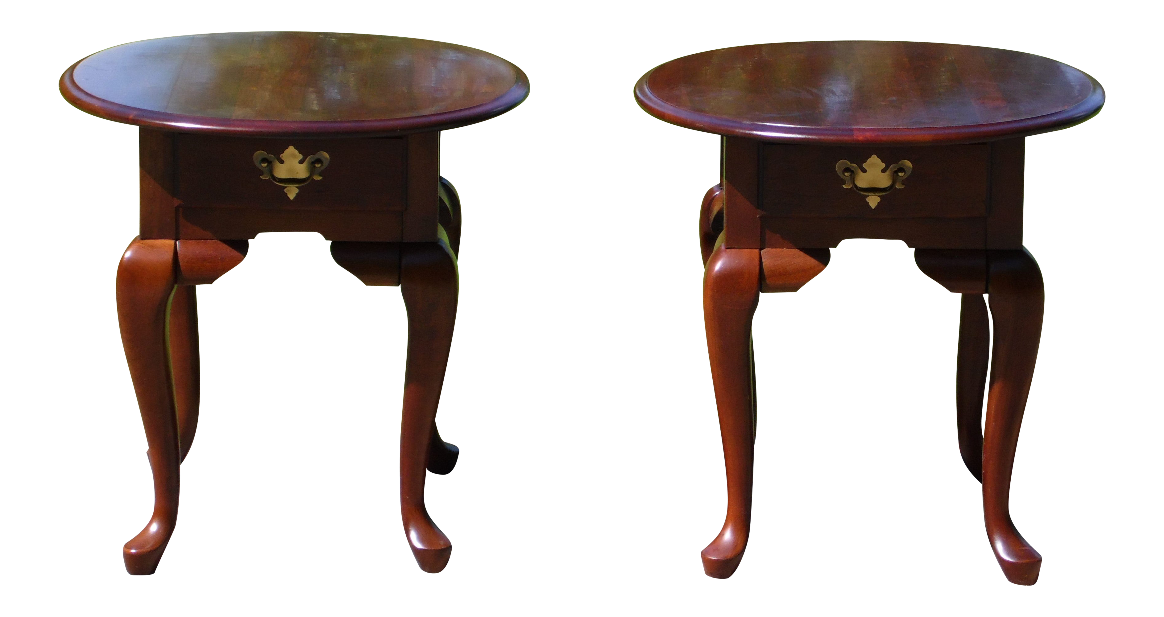 Picture of: Pair Broyhill Queen Anne Style Solid Cherry Oval End Tables Nightstands Chairish