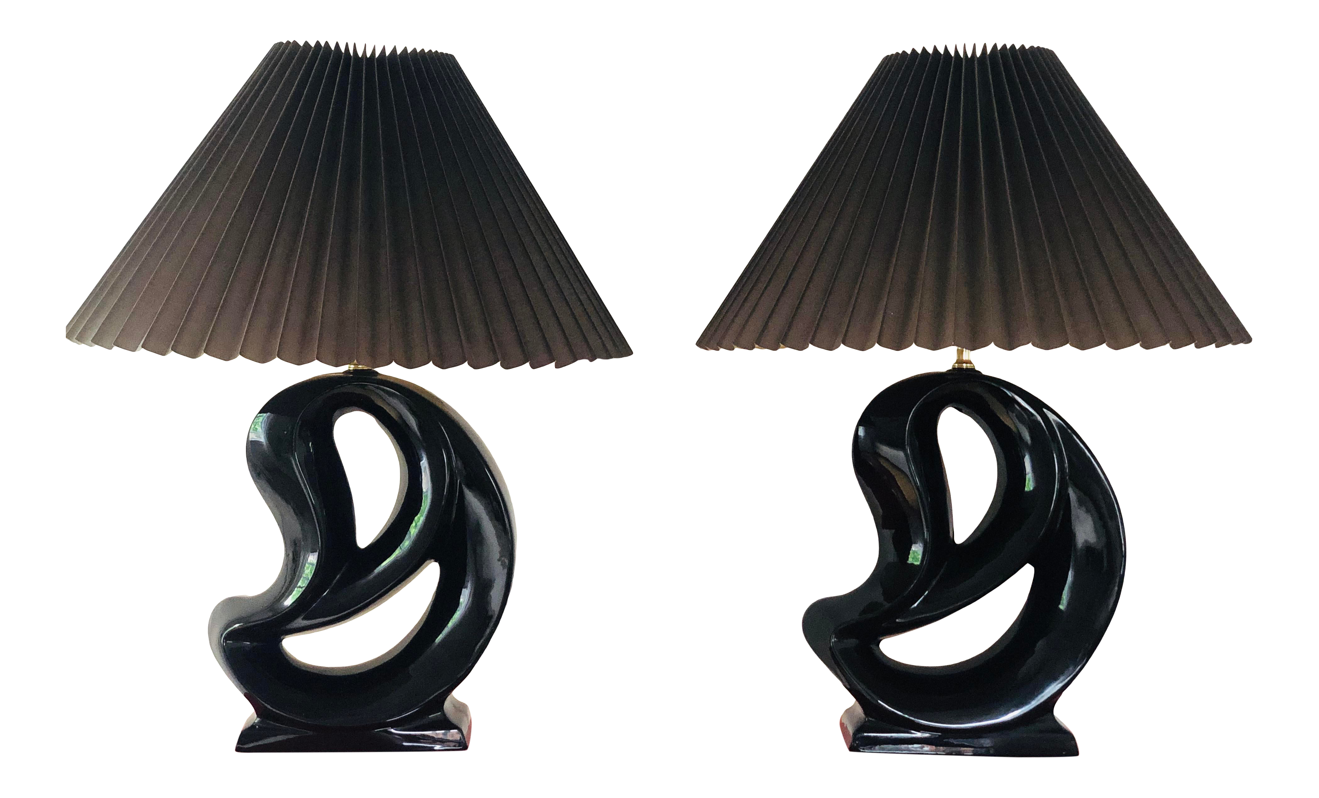 Picture of: Mid Century Modern Black Ceramic Abstract Form Lamps With Shades A Pair Chairish
