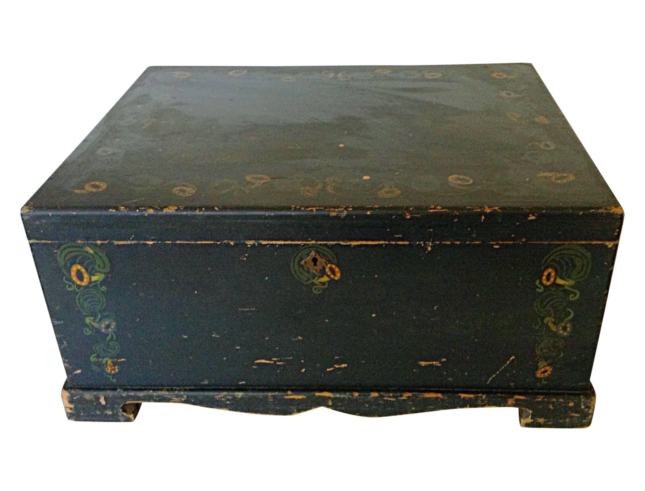 Painted linen chest chairish for Housse causeuse linen chest