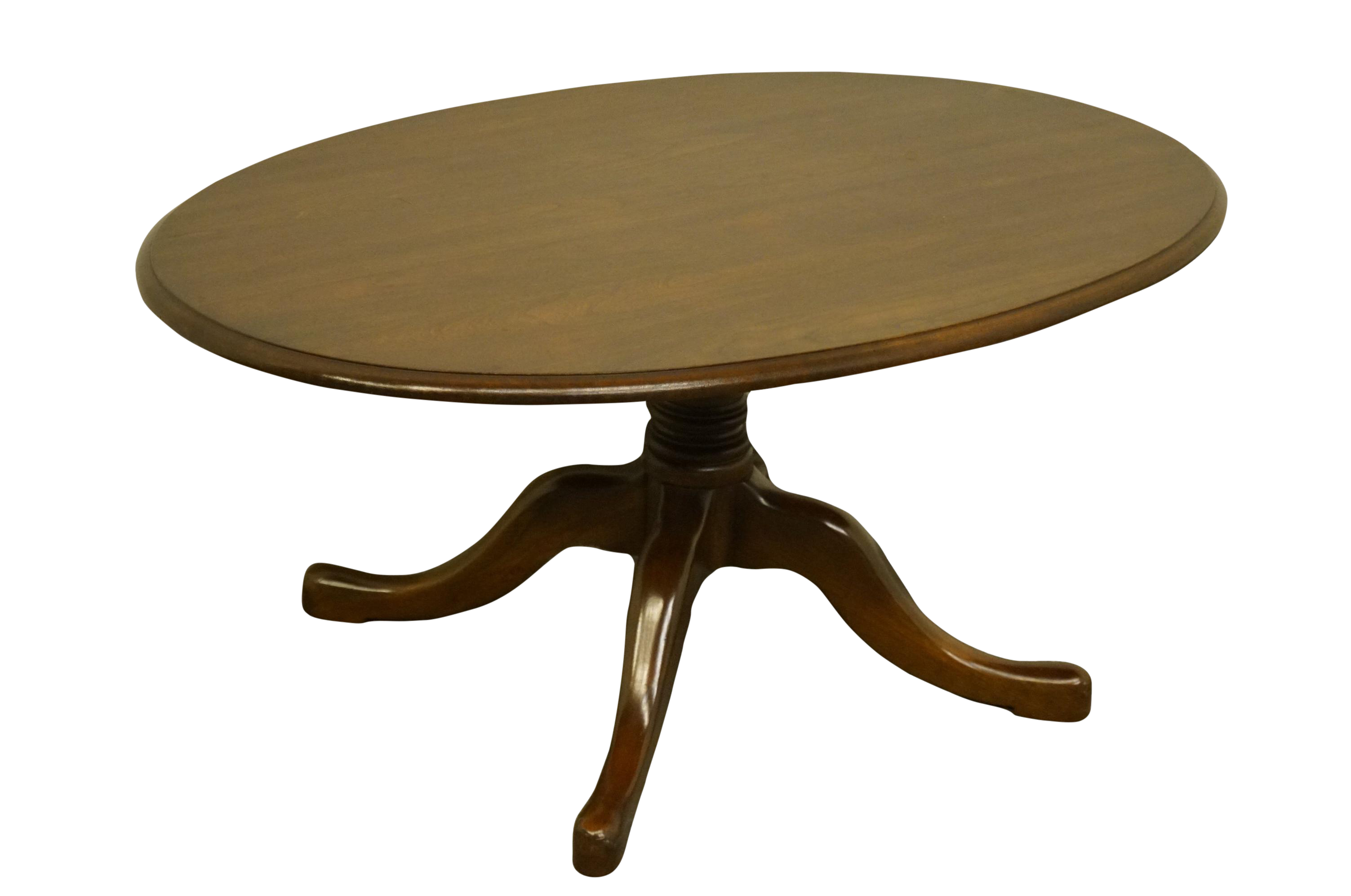 Picture of: 20th Century Traditional Pennsylvania House Solid Cherry 36 Oval Accent Coffee Table Chairish