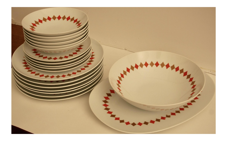 sc 1 st  Chairish & Japanese Midcentury Modern Porcelain Dinnerware - Set of 20 | Chairish