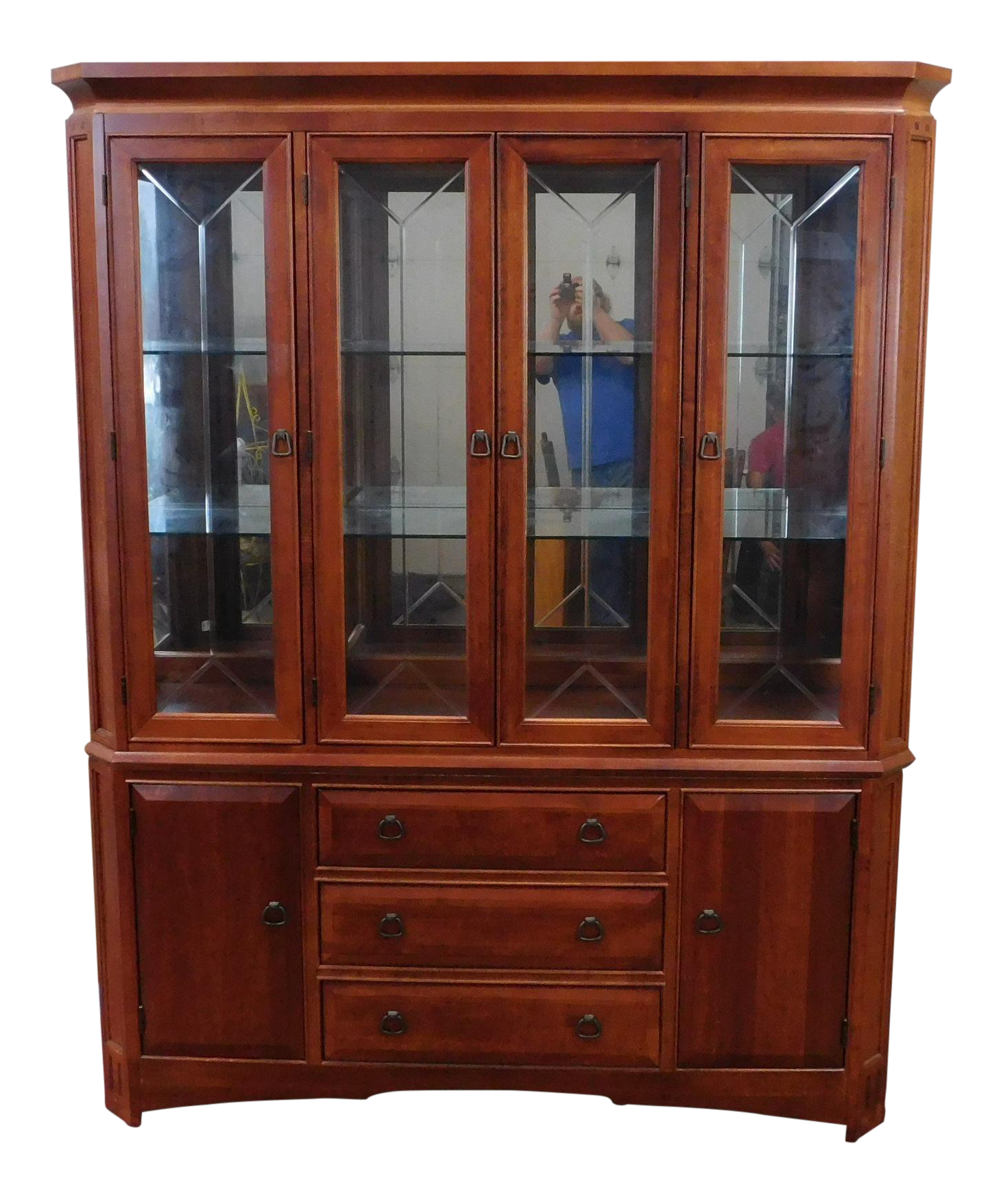 Thomasville furniture cherry mission style china cabinet for Thomasville american expressions bedroom furniture