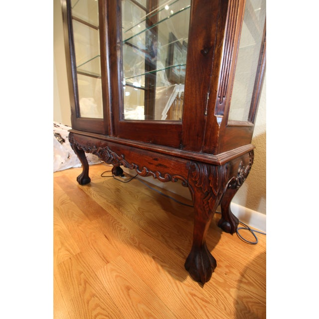 Early 20th Century Chippendale / Queen Anne Style Display Cabinet with Ball and Claw Feet For Sale - Image 5 of 12