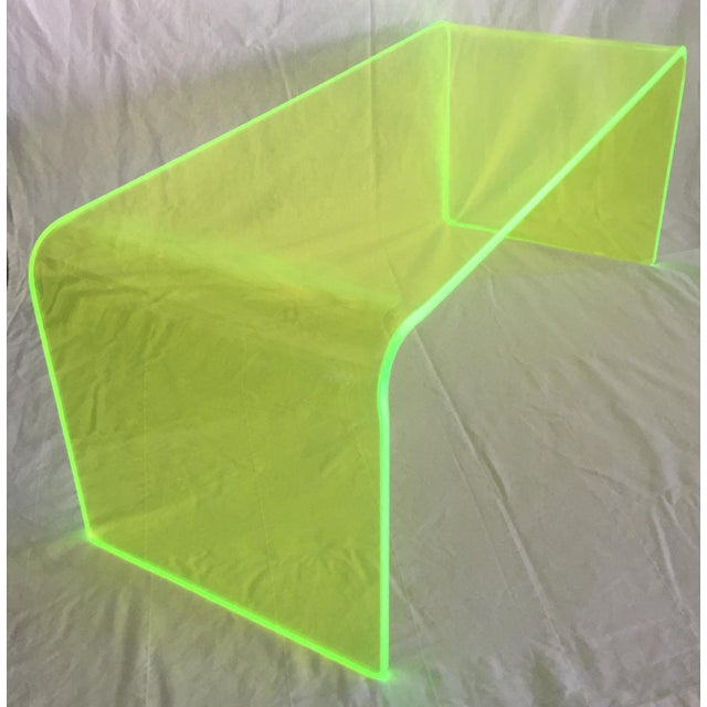 "Memphis Group ""The Long Game"" Coffee Table in Neon Green For Sale - Image 4 of 11"