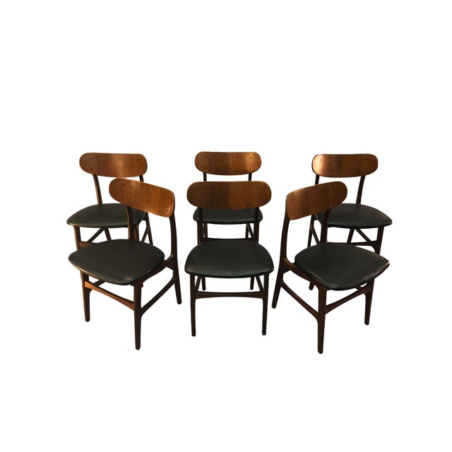 Johannes Andersen Danish Teak Round Back Dining Chairs - Set of 6 For Sale - Image 4 of 13