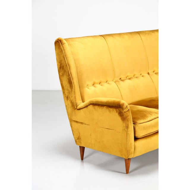 Sofa in three places of gio ponti for isa bergamo of 1950. The sofa is made by the famous designer gio ponti for the isa...