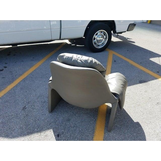 Saporiti 1970s Vintage Vittorio Introini for Saporiti Italian Leather Lounge Chair For Sale - Image 4 of 9