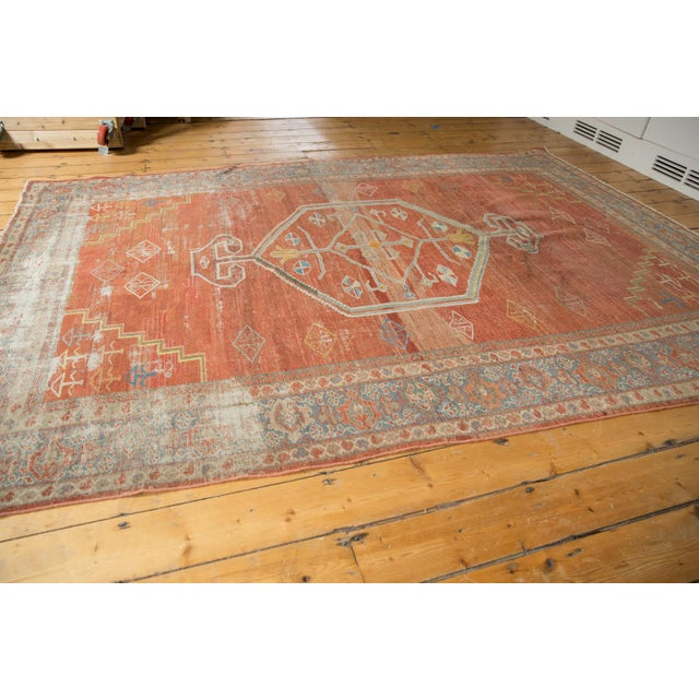 "Textile Vintage Distressed Mahal Carpet - 6'5"" X 9'2"" For Sale - Image 7 of 13"