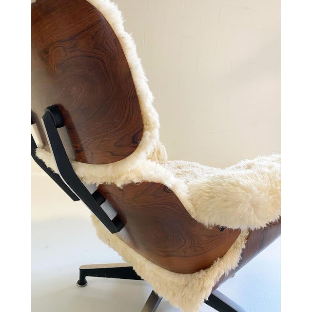 Charles and Ray Eames 670 Lounge Chair and 671 Ottoman in California Sheepskin For Sale - Image 12 of 13