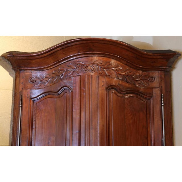 18th C. French Carved Walnut Bow Corner Cabinet For Sale - Image 4 of 8
