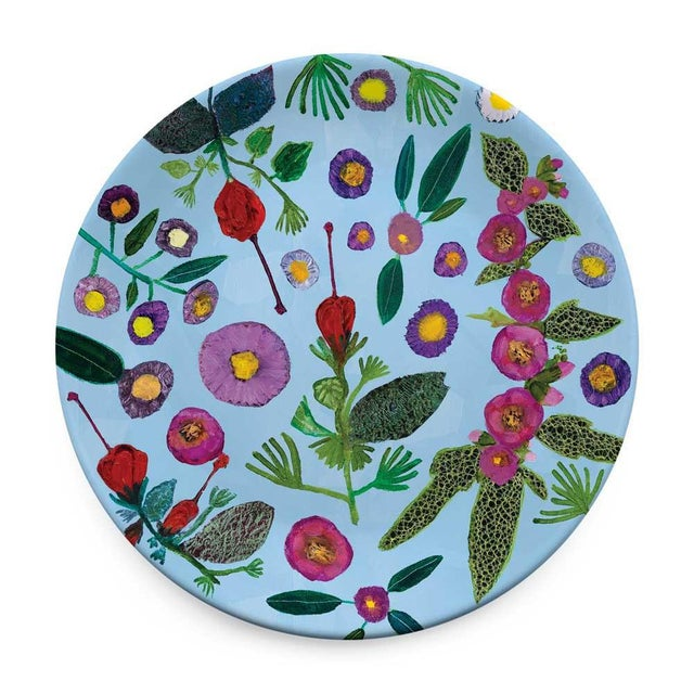 The Wildflowers - Set of 4 Serveware Plates Feel as if you are eating in the garden by serving your meal on a bed of Eli...