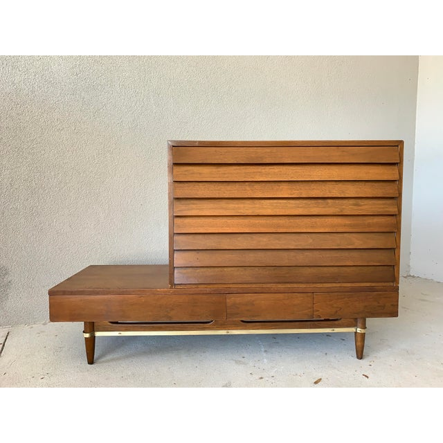 Vintage Mid-Century American of Martinsville Dania Modular Bench & Chest of Drawers For Sale - Image 12 of 12