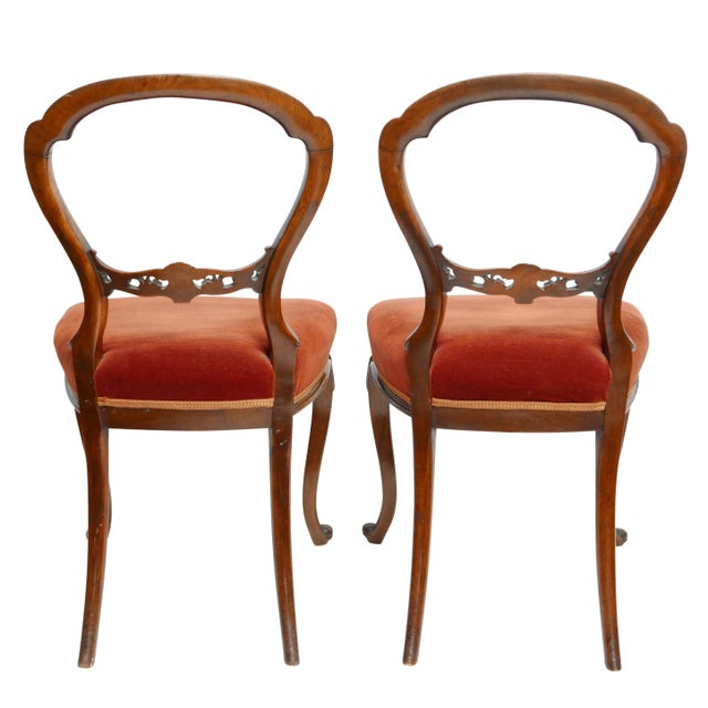 Traditional Pair of Walnut Balloon Back Side Chairs, English Victorian 19th Century For Sale - Image 3 of 12