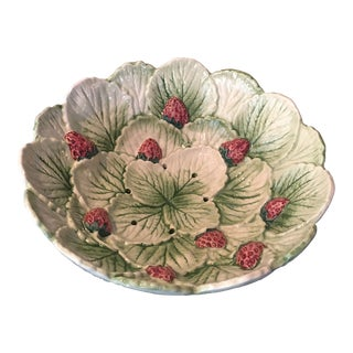 1960s Italian Majolica Strawberry Leaves Bowl For Sale