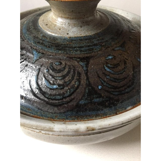 Signed Gerry Williams Mid-Century Stoneware Lidded Bowl - Image 3 of 7
