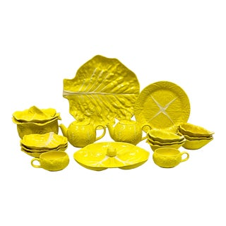 Mario Buatta Style Yellow Lettuce Luncheon Set - Set of 16 For Sale