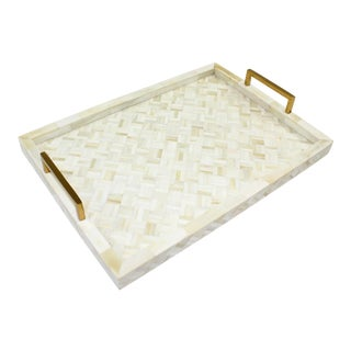 Chantilly II Tray, Medium For Sale