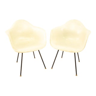 Early Herman Miller Mid Century White Shell Chairs - Pair For Sale