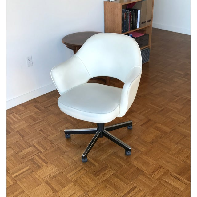 Knoll Saarinen Leather Arm Chair - Image 4 of 4