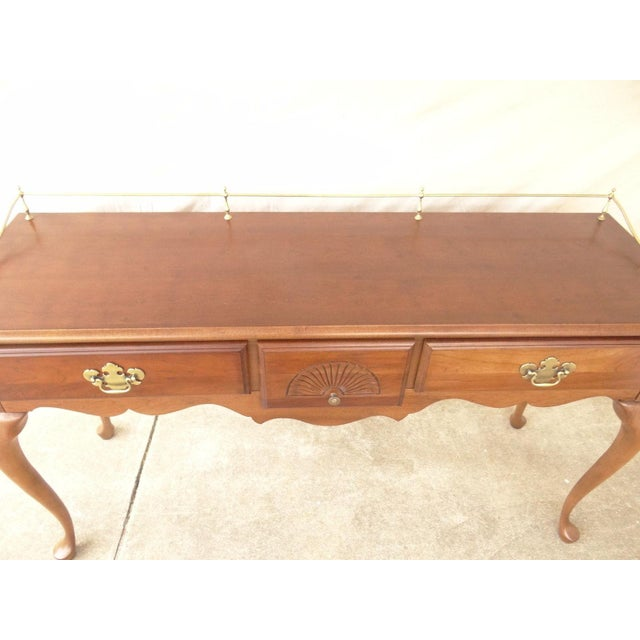 American Drew Cherry Queen Anne Sofa Hall Foyer Table Console For Sale - Image 4 of 11