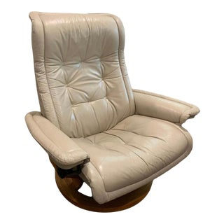1990s Ekornes Stressless Leather Recliner For Sale