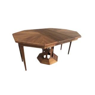 20th Century Mid-Century Modern Foster McDavid Walnut Dining Table For Sale