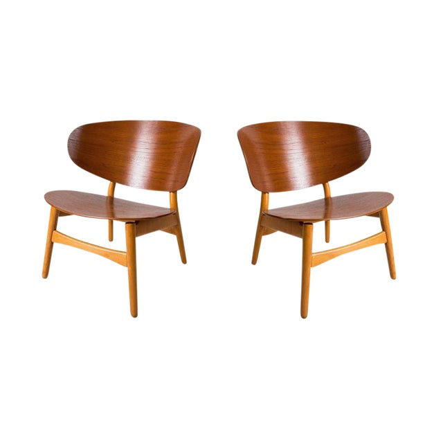 Pair of Shell Lounge Chairs by Hans Wegner For Sale