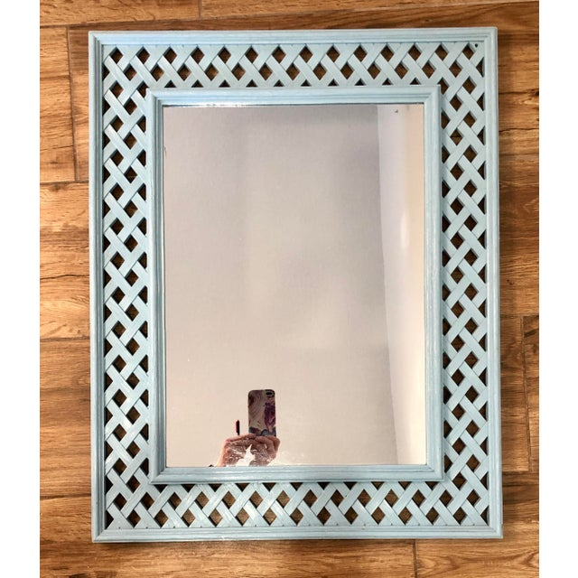 1970s Vintage Lattice Framed Fretwork Palm Beach Hollywood Regency Syroco Mirror For Sale - Image 4 of 4