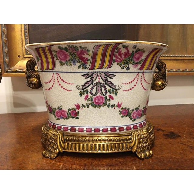 Early 20th Century Porcelain Cache Pots or Jardinières with a Floral Motif, 20th Century - A Pair For Sale - Image 5 of 10