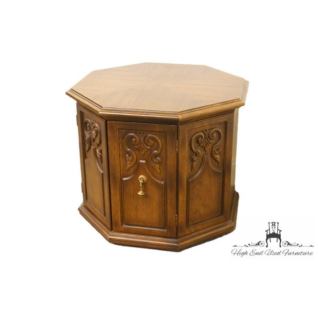 American of Martinsville Octagonal Storage End Table 2607-631 Dimensions: 21.5″ High 28″ Wide 28″ Deep We specialize in...