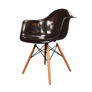 1960d Mid Century Modern Eames got Hrerman Miller Fiberglass Chair